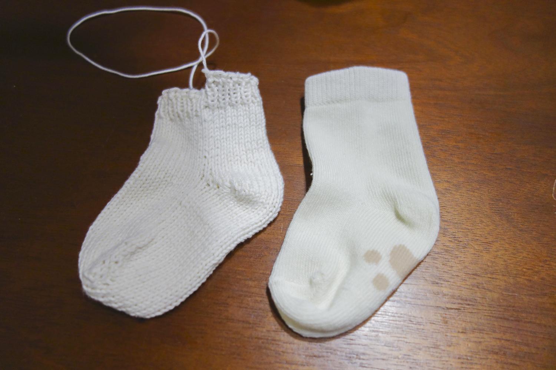 つま先から編むベビー靴下